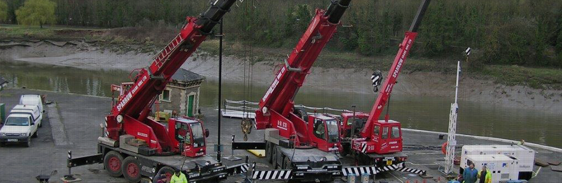 sparrow crane hire crane harbour lift