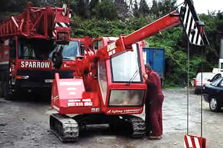 Mini Crawler Crane Hire contract lift
