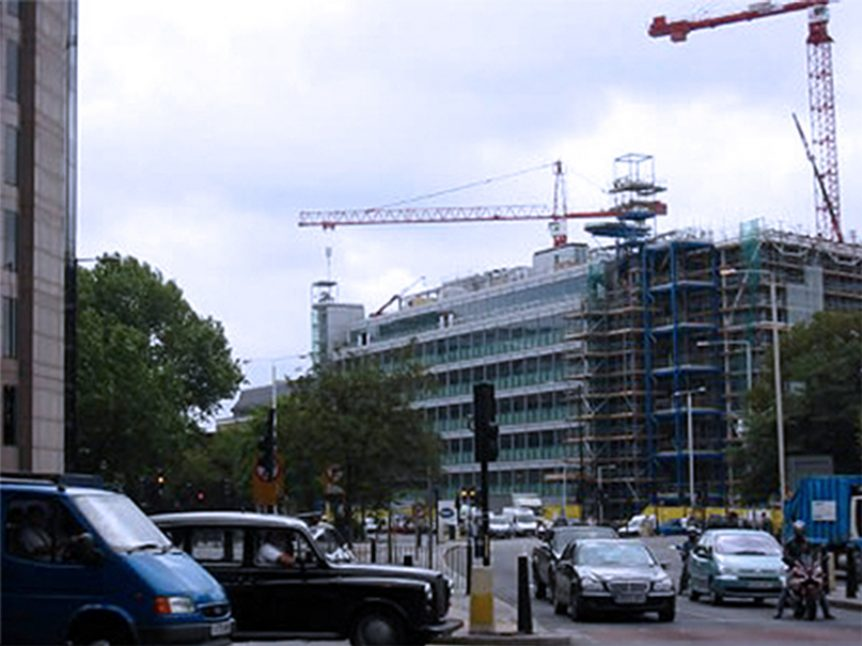 HVAC Rooftop crane lift London