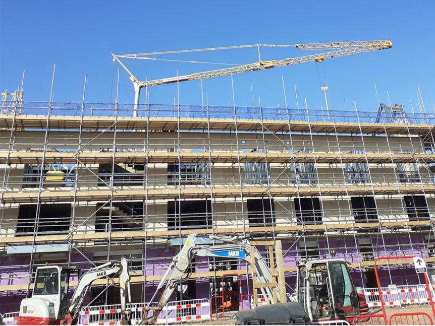 cladding roofing crane