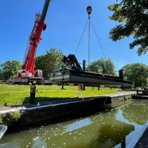 Crane lifting boat Weston Lock Bath