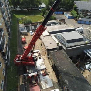 Crane vario base option with the outriggers