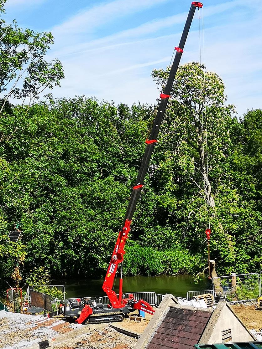 Maeda MC285C-3  Mini Crane Hire